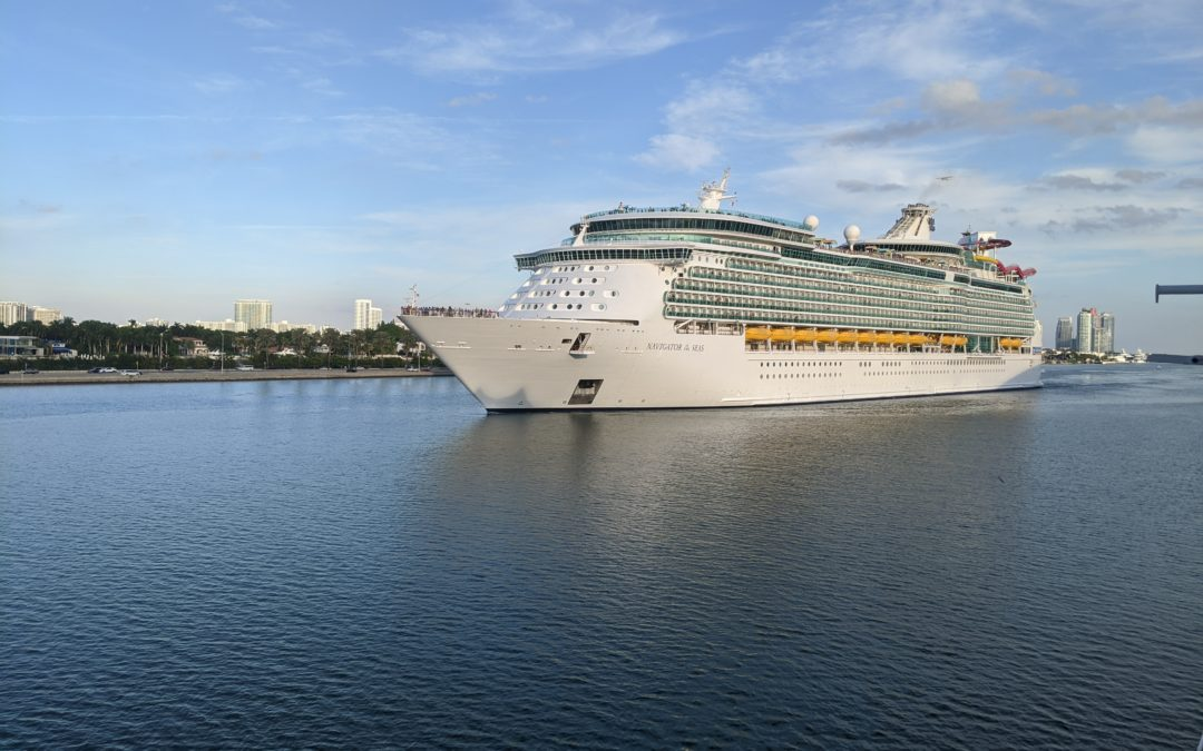 8 Ways To Get Tons of Free Stuff On A Cruise Vacation